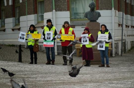 1463662 10202527715543294 808857915 n تجمع اعتراضی حمایتی برای عبدالفتاح سلطانی در شهر هارشتاد نروژ