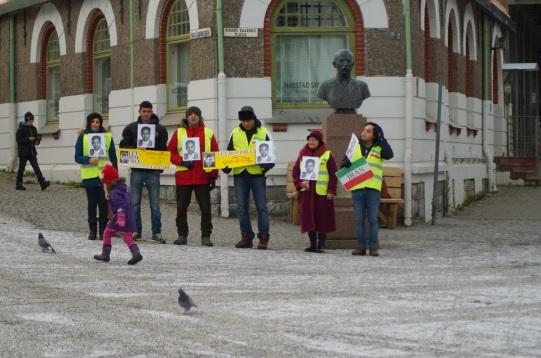 1464663 10202527789585145 2067725099 n تجمع اعتراضی حمایتی برای عبدالفتاح سلطانی در شهر هارشتاد نروژ