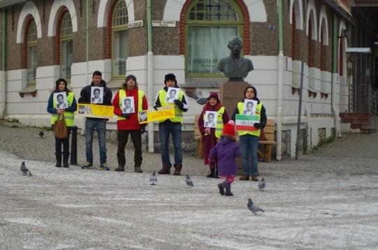 935559 10202527780144909 1012494114 n تجمع اعتراضی حمایتی برای عبدالفتاح سلطانی در شهر هارشتاد نروژ